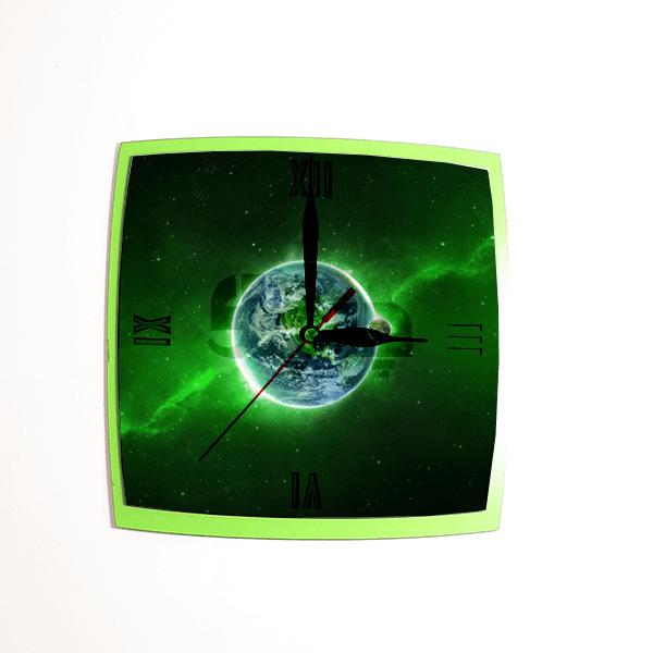 ساعت دیواری لبه قوس سبز